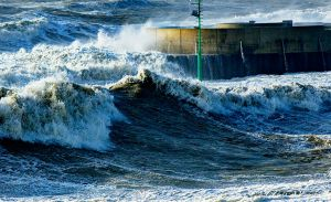 Monster Waves at West Bay